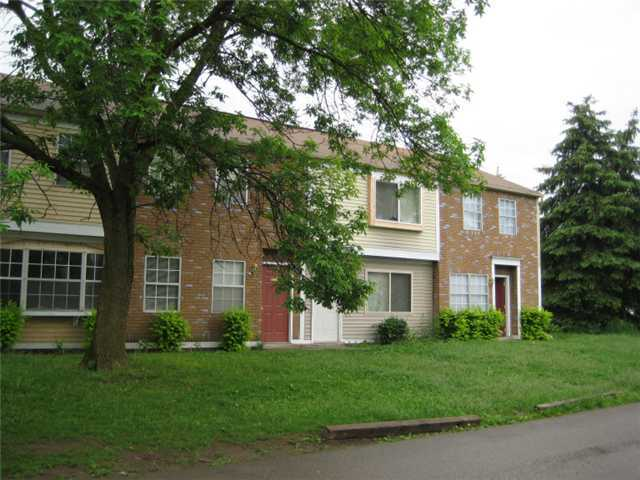 Photo of home for sale at 1551 Worthington Row Drive, Columbus OH