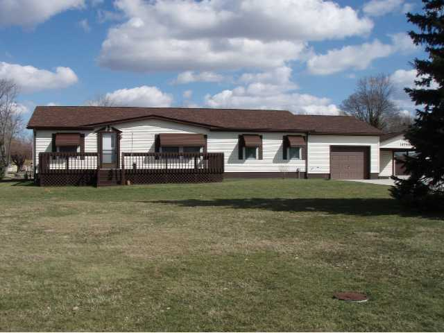 Photo of home for sale at 10790 Township Road 500 NW, Thornville OH