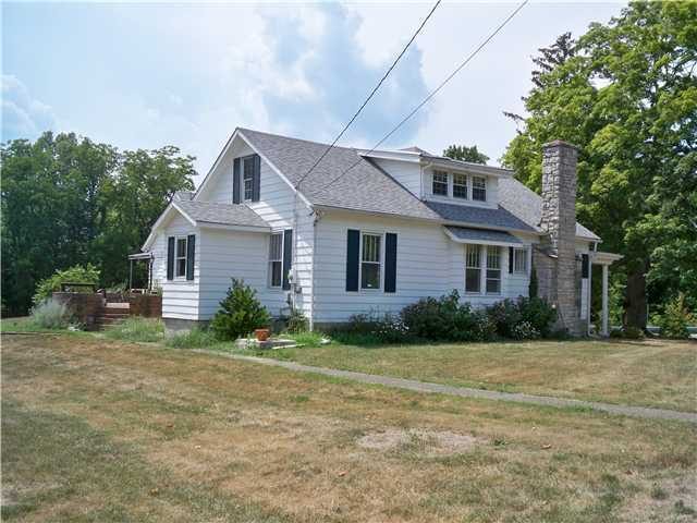 Photo of home for sale at 4246 Sunbury Road, Galena OH