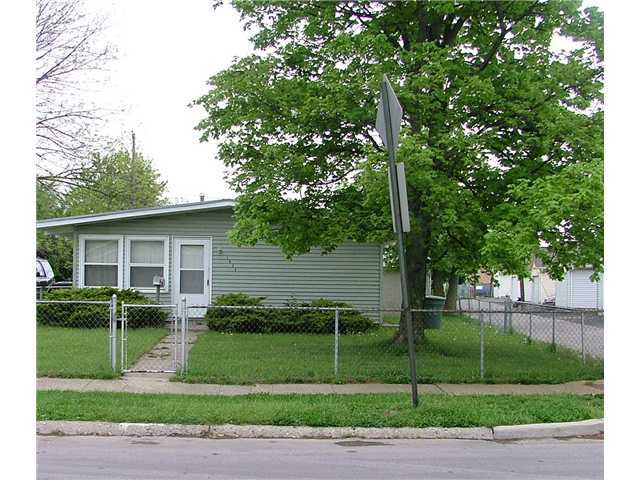 Photo of home for sale at 1696 Duxberry Avenue, Columbus OH