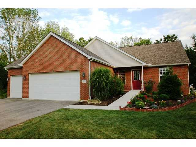 Photo of home for sale at 63 Mohawk Drive E, Powell OH