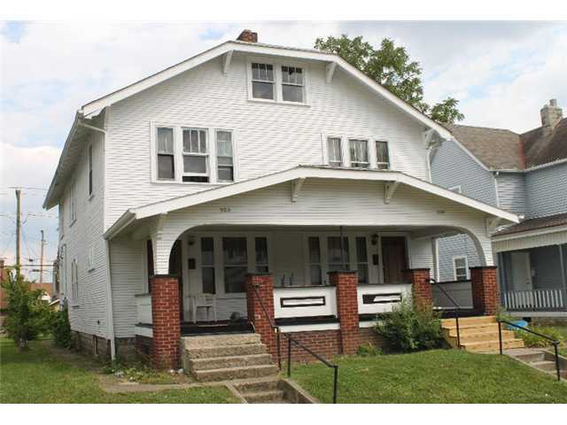 Photo of home for sale at 928 Ellsworth Avenue, Columbus OH