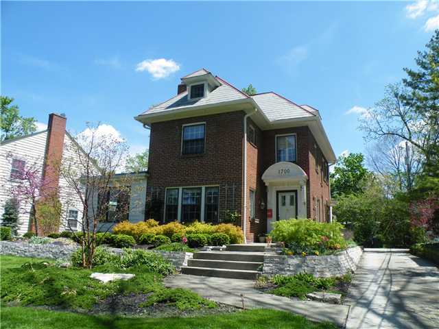 Photo of home for sale at 1700 Arlington Avenue, Columbus OH