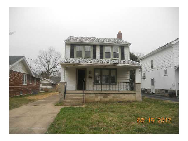 Photo of home for sale at 497 Wrexham Avenue, Columbus OH