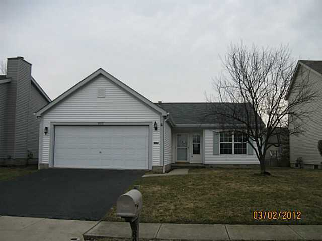 Photo of home for sale at 800 Wallinger Drive, Galloway OH
