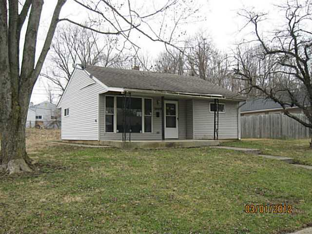 Photo of home for sale at 2449 Dawnlight Avenue, Columbus OH