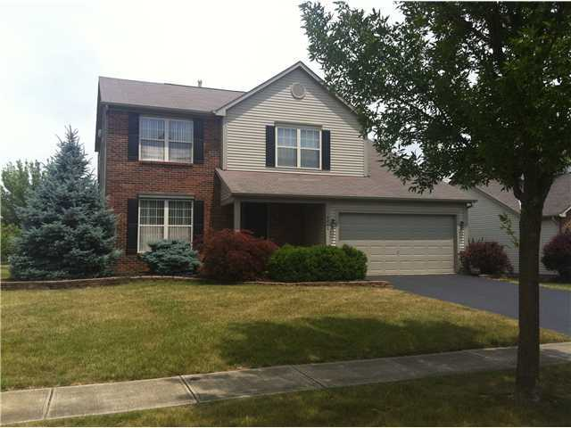 Photo of home for sale at 6242 Pirthshire Street, Dublin OH