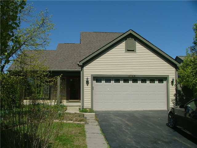 Photo of home for sale at 8126 Creekstone Lane, Blacklick OH