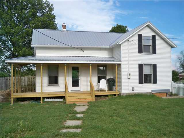 Photo of home for sale at 815 Shanahan Road, Lewis Center OH