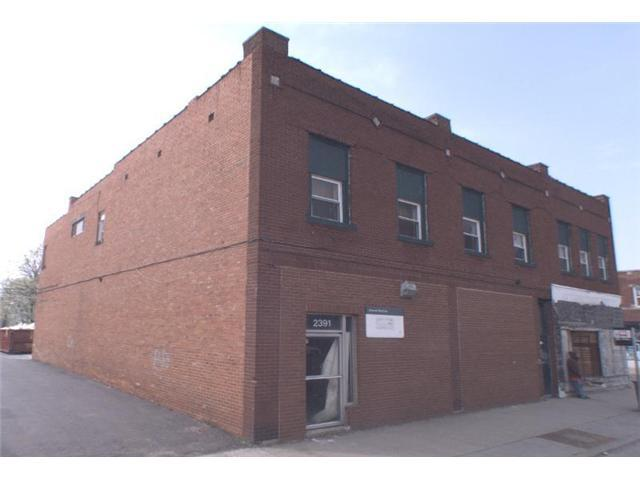 Photo of home for sale at 2391 Broad Street W, Columbus OH