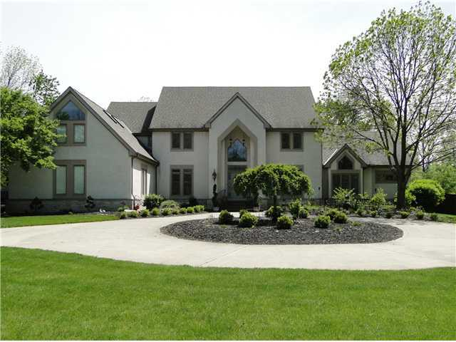 Photo of home for sale at 4600 Coach Road, Columbus OH