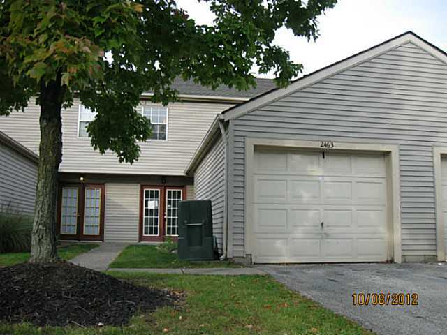 Photo of home for sale at 2463 Mason Village Court, Columbus OH