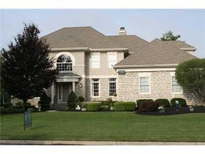 5820 Medallion Drive E, Westerville, OH 43082