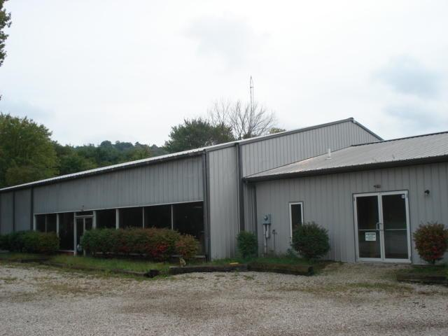 Photo of home for sale at 21397 State Route 180, Laurelville OH