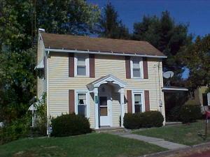 Casa Unifamiliar por un Venta en 122 CHURCH Corning, Ohio 43730 Estados Unidos