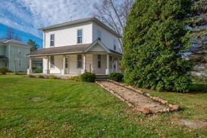 独户住宅 为 销售 在 3 LAWN Ashley, 俄亥俄州 43003 美国