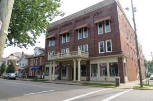 Commercial for Sale at 701 Main Dresden, Ohio 43821 United States