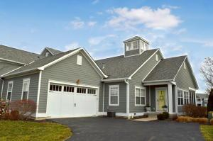 14877 Harbor Point Drive E, Thornville, OH 43076