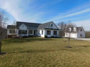 Casa Unifamiliar por un Venta en 18681 Baker Mount Vernon, Ohio 43050 Estados Unidos