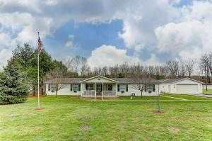 Casa Unifamiliar por un Venta en 2392 Owl Creek Frankfort, Ohio 45628 Estados Unidos