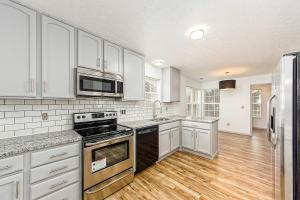 3198 Canyon Bluff Drive, Canal Winchester, OH 43110