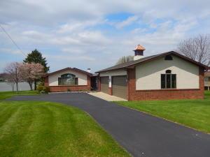 独户住宅 为 销售 在 1228 Choctaw London, 俄亥俄州 43140 美国