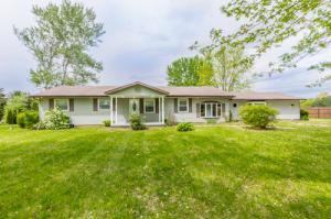 1140 Ginder Road NW, Lancaster, OH 43130