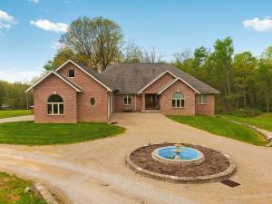 独户住宅 为 销售 在 405 Hankinson Newark, 俄亥俄州 43055 美国