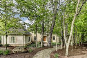 190 Valley Run Drive, Powell, OH 43065