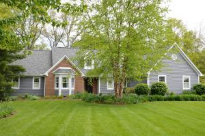 299 Woodsfield Court, Powell, OH 43065