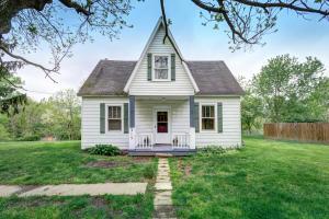 独户住宅 为 销售 在 315 Main 315 Main Kirkersville, 俄亥俄州 43033 美国