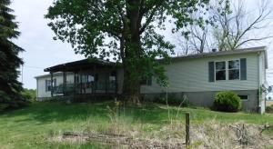 独户住宅 为 销售 在 4951 Schwemly Bucyrus, 俄亥俄州 44820 美国