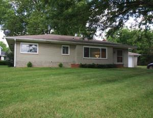 38 Allen Avenue, New Holland, OH 43145