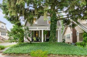 107 E Pacemont Road, Columbus, OH 43202