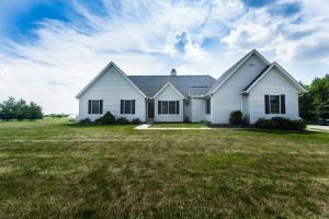 15496 Gibson Road, Ashville, OH 43103
