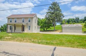1896 Montgomery Road NE, Newark, OH 43055