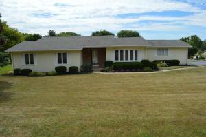 12694 Deborah Drive, Kenton, OH 43326