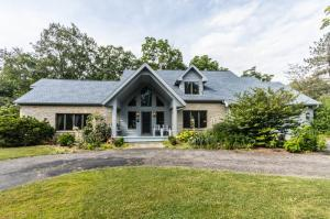 6383 Harrisburg Georgesville Road, Grove City, OH 43123