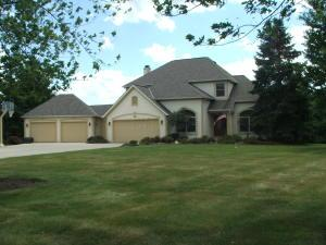 8779 Greencastle Drive NW, Carroll, OH 43112