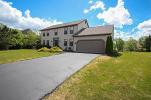 7117 Rossman Court, Canal Winchester, OH 43110