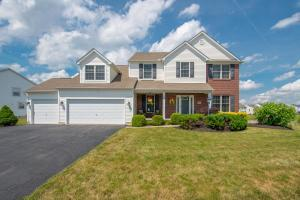 Property for sale at 106 S Corkwood Court, Pickerington,  OH 43147