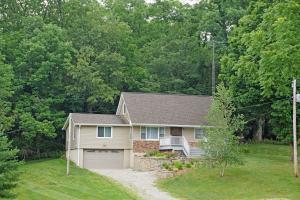 独户住宅 为 销售 在 19525 Met O Wood Gambier, 俄亥俄州 43022 美国
