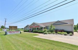 Commercial for Sale at 5810 Raiders 5810 Raiders Frazeysburg, Ohio 43822 United States
