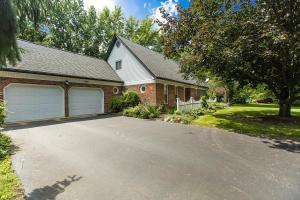 1384 Hiner Road, Orient, OH 43146