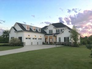 独户住宅 为 销售 在 115 Fitzwilliam Johnstown, 俄亥俄州 43031 美国