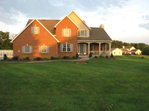 Single Family Home for Sale at 40 Blue Bonnett 40 Blue Bonnett Heath, Ohio 43056 United States