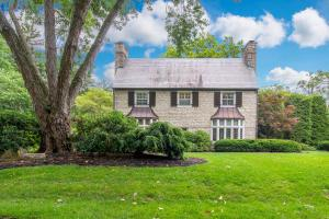 Property for sale at 200 Ashbourne Road, Bexley,  OH 43209