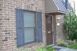 Property for sale at 5856 Hallridge Circle, Columbus,  OH 43232