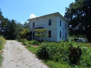 Casa Unifamiliar por un Venta en 24380 Newcastle 24380 Newcastle Gambier, Ohio 43022 Estados Unidos