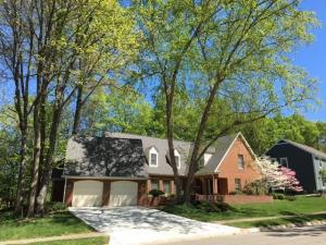 Property for sale at 247 Greenbrier Court, Worthington,  OH 43085